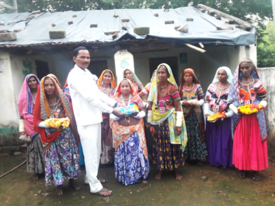 INDIA | YJM – Yesuway Jeevan Mission's Ministry partners feed the poor
