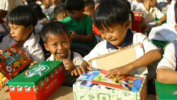 operation christmas child | image from Samaritan's Purse